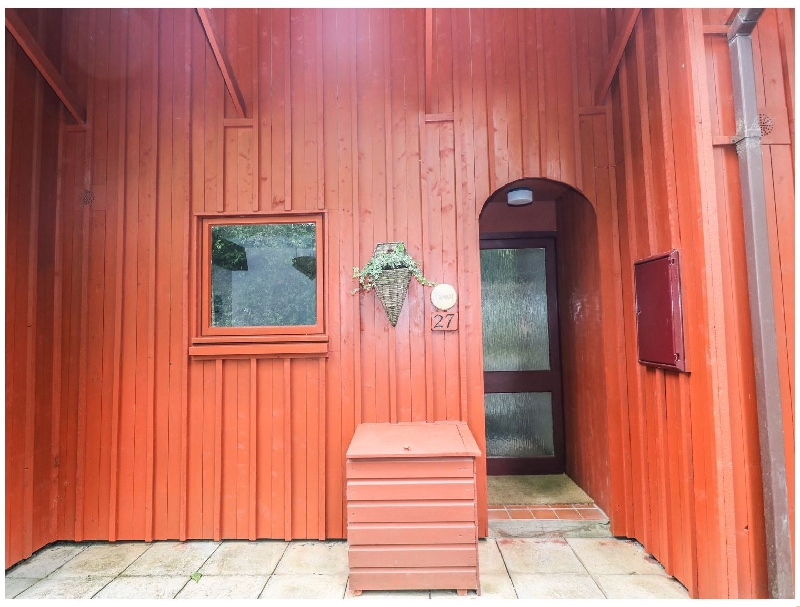 Rowan Lodge a holiday cottage rental for 4 in Amroth,