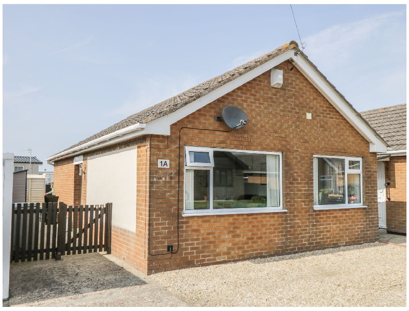 Eastbreeze a holiday cottage rental for 4 in Mablethorpe,