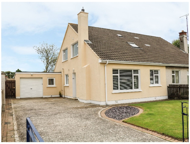 Crossreagh a holiday cottage rental for 7 in Portstewart,