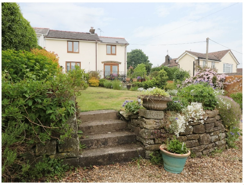 Lynton House a holiday cottage rental for 8 in Drybrook,