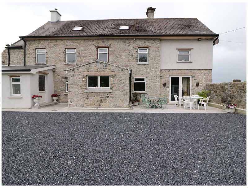 The Farmhouse a holiday cottage rental for 8 in Cashel,