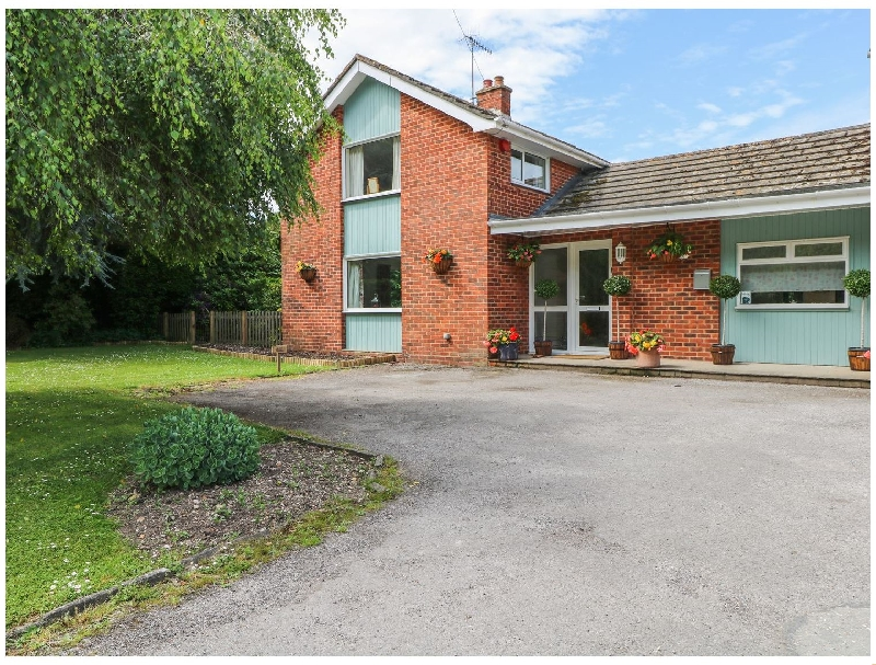 Sapele a holiday cottage rental for 5 in Chichester,