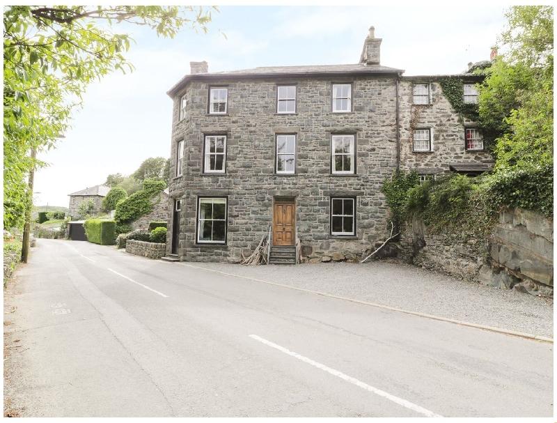 Gwynfryn House a holiday cottage rental for 11 in Llanbedr,
