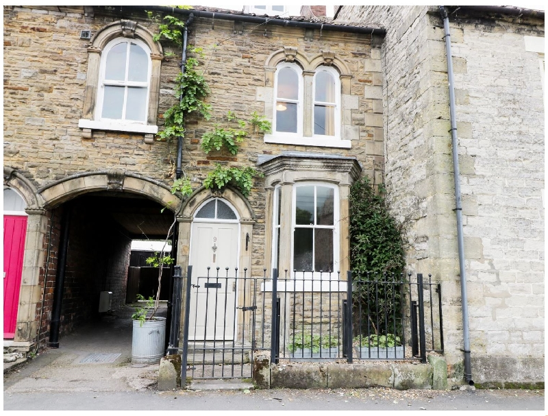 Myrtle Cottage a holiday cottage rental for 4 in Pickering,