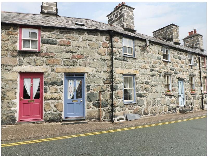 4 Cader Road a holiday cottage rental for 6 in Dolgellau,