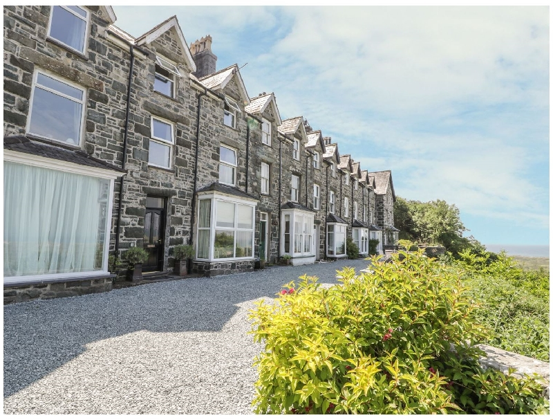 3 Bronwen Terrace a holiday cottage rental for 8 in Harlech,