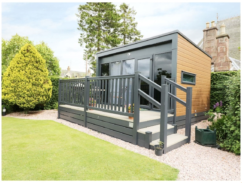 Cabin at the Tavern a holiday cottage rental for 2 in Coupar Angus,
