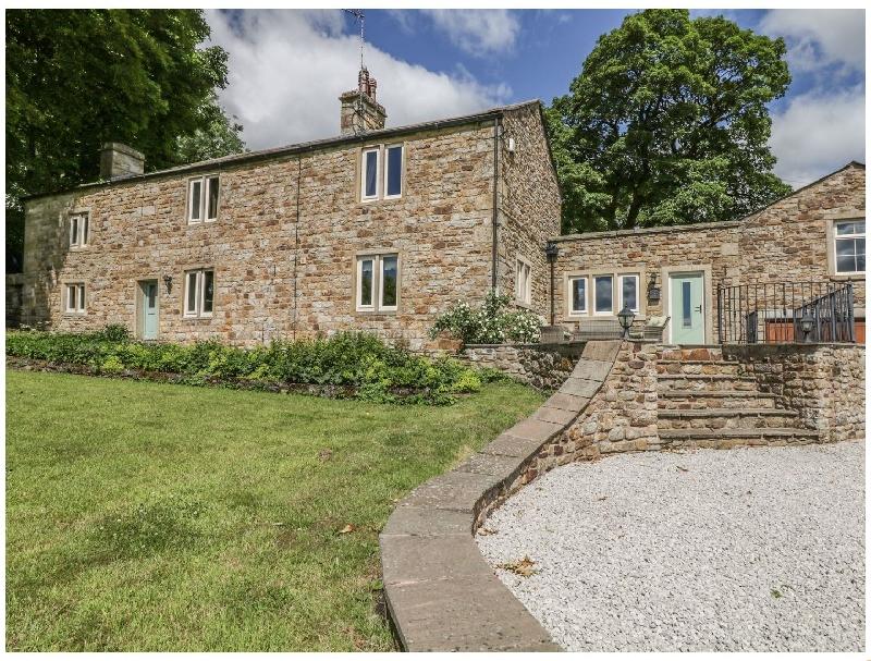 Brockthorn a holiday cottage rental for 10 in Tosside,