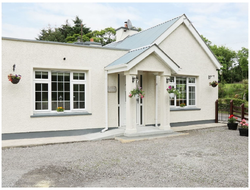 Hawthorn Hideaway a holiday cottage rental for 8 in Manorhamilton,