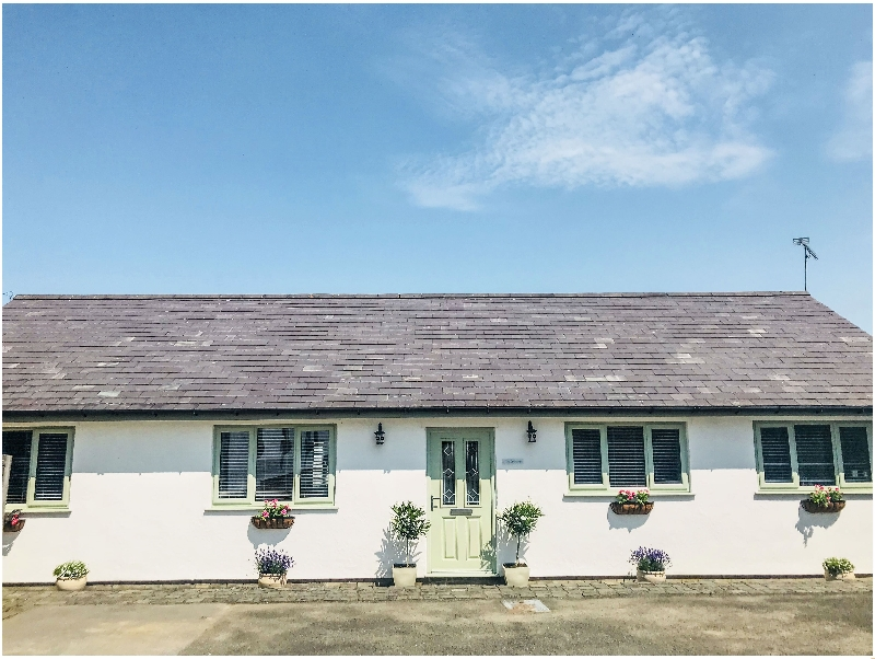 Orchard Cottage a holiday cottage rental for 6 in Halkyn,