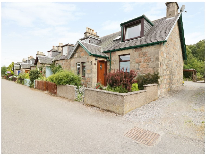 Distillery Cottage a holiday cottage rental for 4 in Aberlour,
