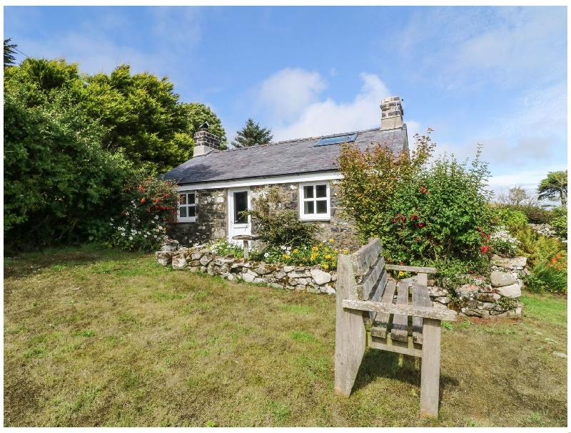 Conion Ganol a holiday cottage rental for 6 in Aberdaron,