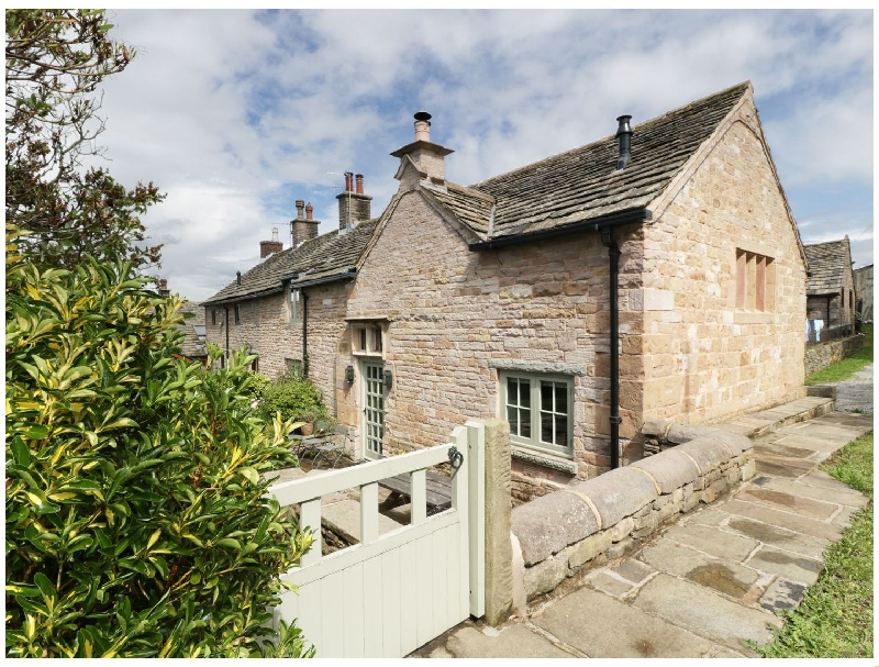 Disley Hall a holiday cottage rental for 6 in Disley,