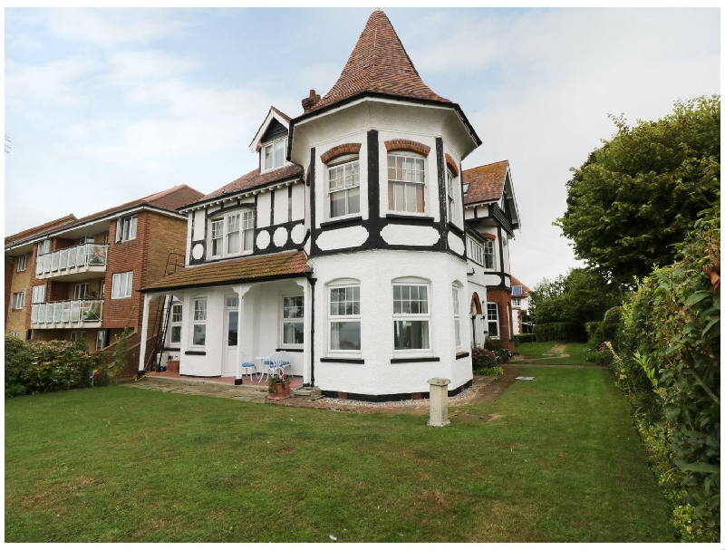 Flat 1- Cambridge Court a holiday cottage rental for 4 in Frinton-On-Sea,