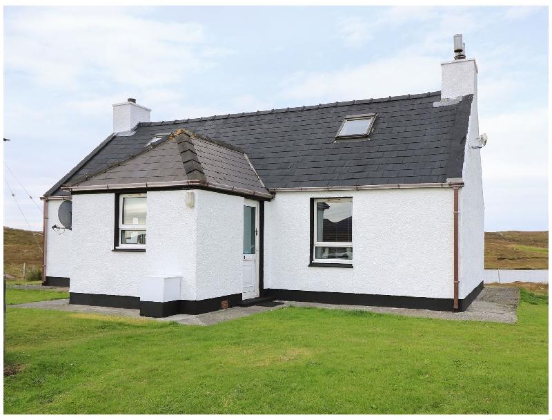 Lochside Cottage a holiday cottage rental for 2 in Grimsay,