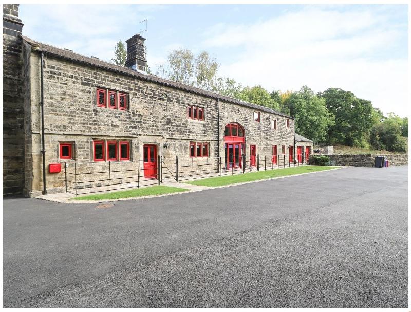 Unsliven Bridge Farm a holiday cottage rental for 15 in Stocksbridge,