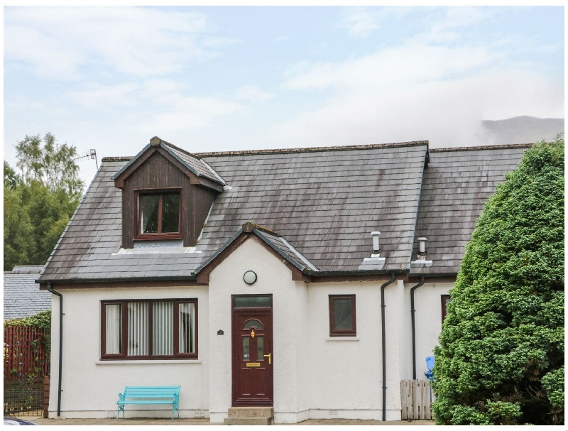3 Angus Crescent a holiday cottage rental for 5 in Ballachulish,
