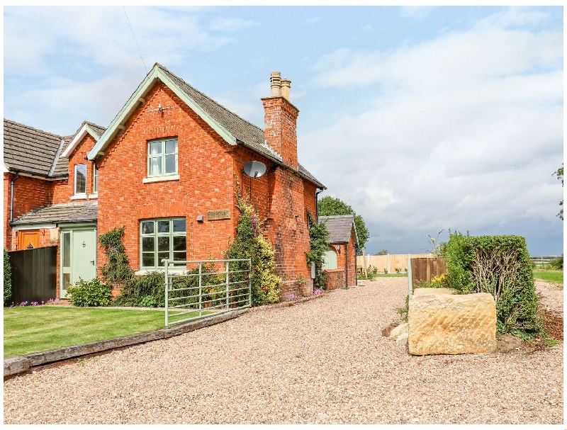 Chippers Cottage a holiday cottage rental for 4 in Woodhall Spa,