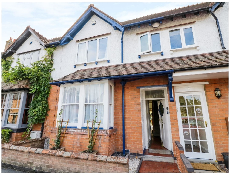 5 Albany Road a holiday cottage rental for 6 in Stratford-Upon-Avon,