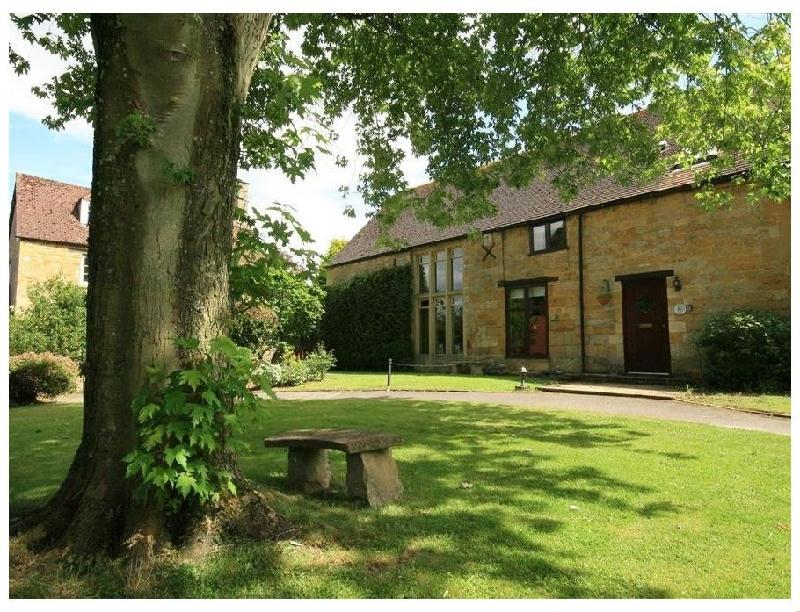 Badger's Den a holiday cottage rental for 6 in Moreton-In-Marsh,