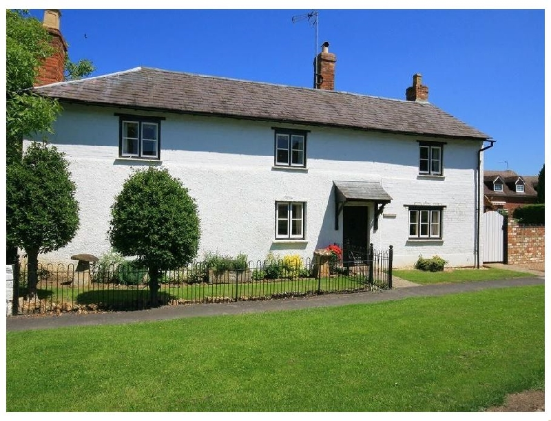 Elmhurst Cottage a holiday cottage rental for 9 in Chipping Campden,