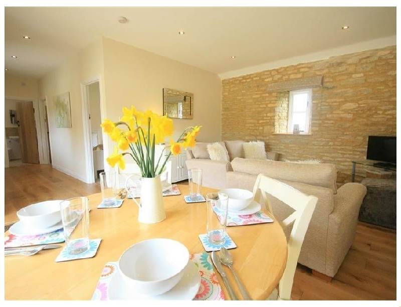 Ewecub Barn a holiday cottage rental for 4 in Burford,