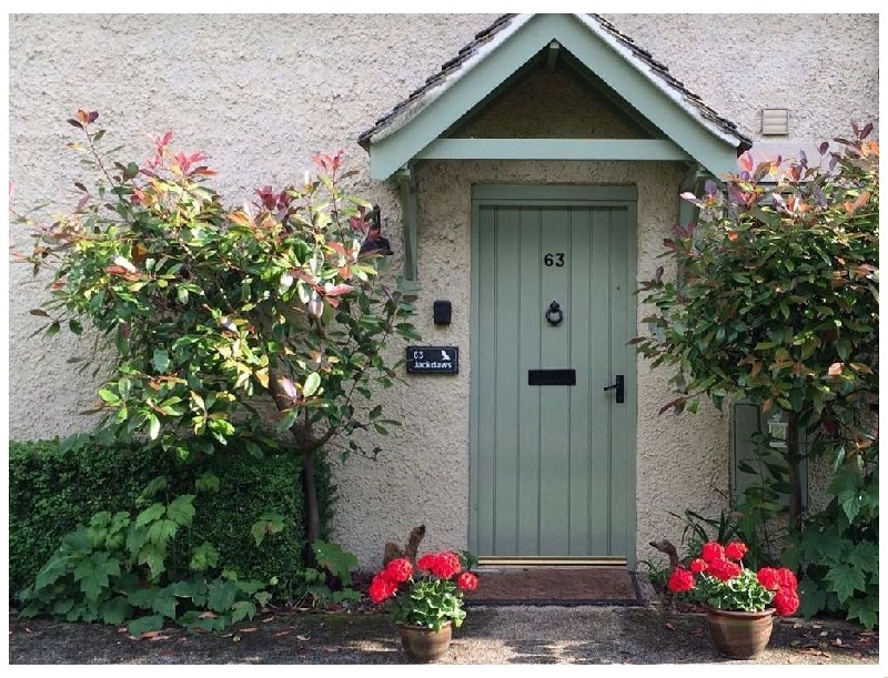Jackdaws a holiday cottage rental for 6 in Cotswold Water Park,
