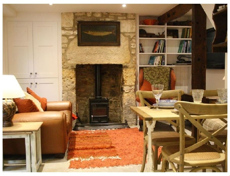 Mad Molly's Cottage a holiday cottage rental for 4 in Winchcombe,