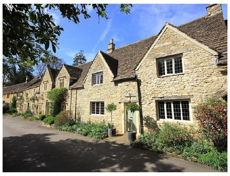 Castle Combe Cottage a holiday cottage rental for 4 in Bath,
