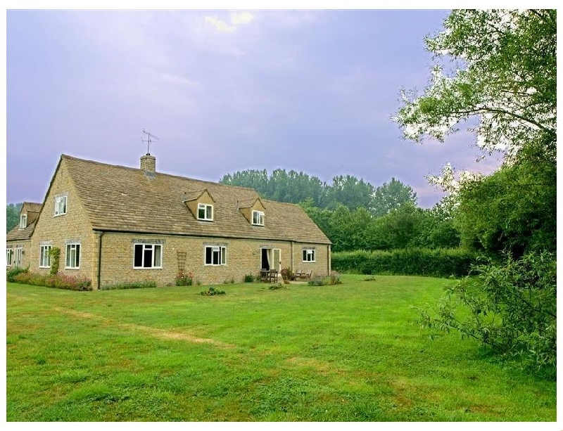 Tagmoor Hollow a holiday cottage rental for 2 in Bourton-On-The-Water,