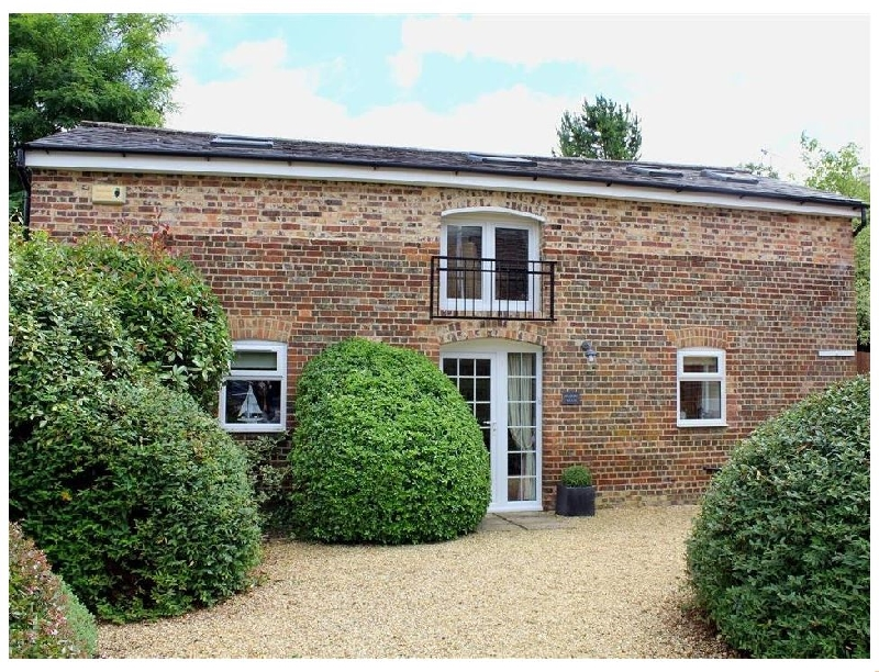 Nadder Barn a holiday cottage rental for 4 in Salisbury,