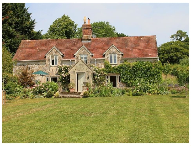 West Hatch Cottage a holiday cottage rental for 7 in Tisbury,