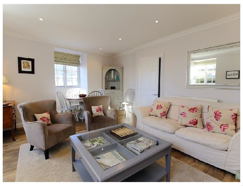 Circus House Apartment a holiday cottage rental for 4 in Bath,