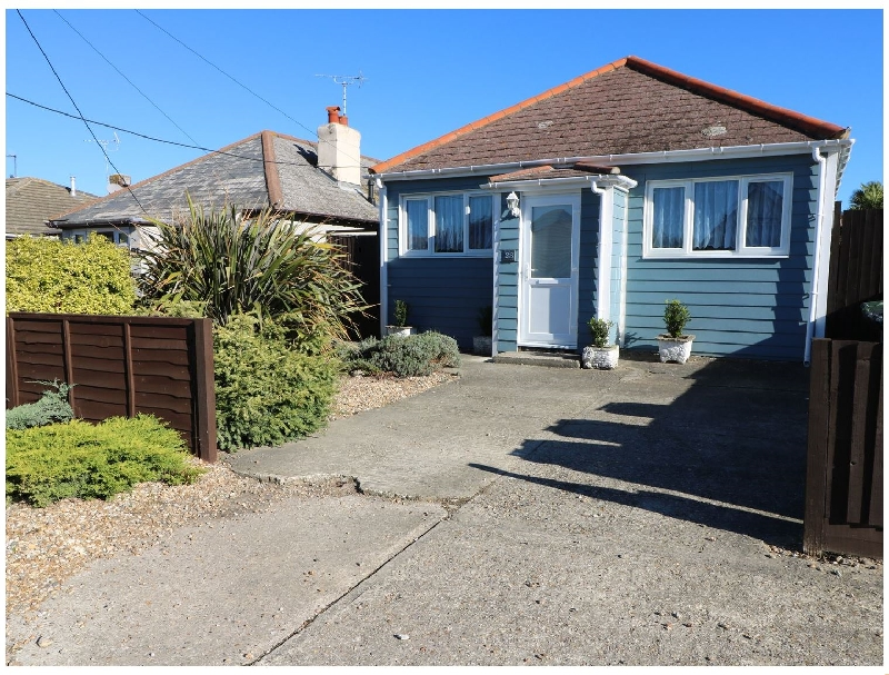 Smallcroft a holiday cottage rental for 5 in Seasalter,