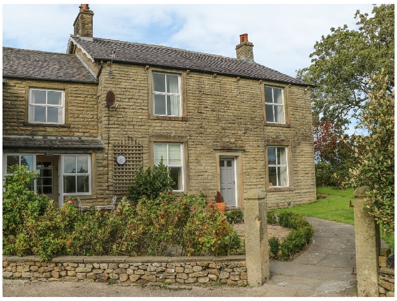 Coars Farm a holiday cottage rental for 10 in Skipton,