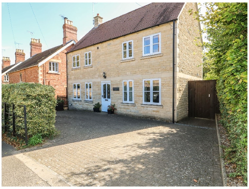 Aldwell House a holiday cottage rental for 6 in Stamford,