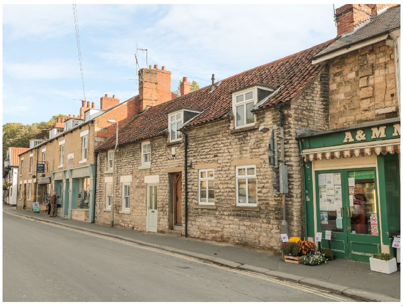 Platform 5 & 3/4 a holiday cottage rental for 6 in Pickering,