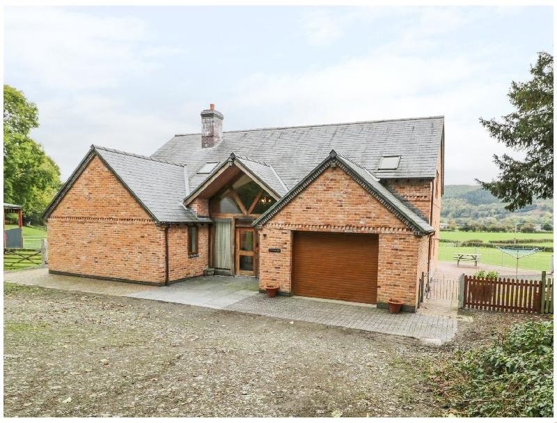 Pentrego Isaf a holiday cottage rental for 8 in Meifod,