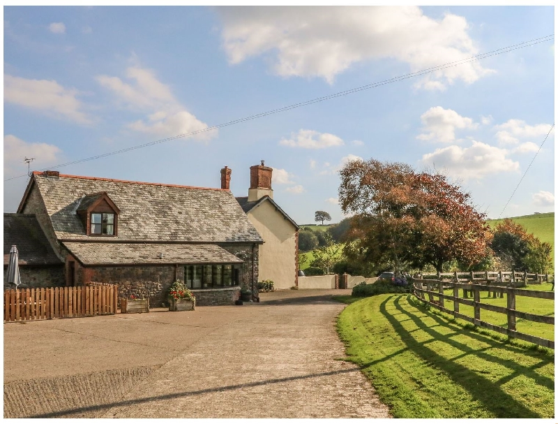 Oak Cottage a holiday cottage rental for 5 in Chittlehampton ,