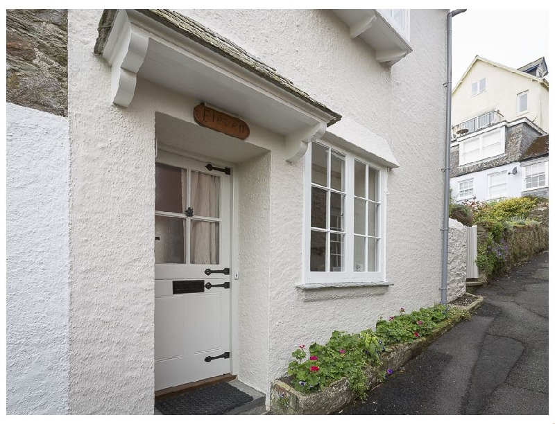 11 Robinsons Row a holiday cottage rental for 8 in Salcombe,