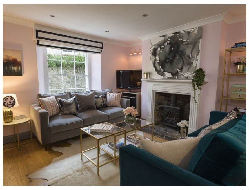 16 Courtenay Street a holiday cottage rental for 8 in Salcombe,