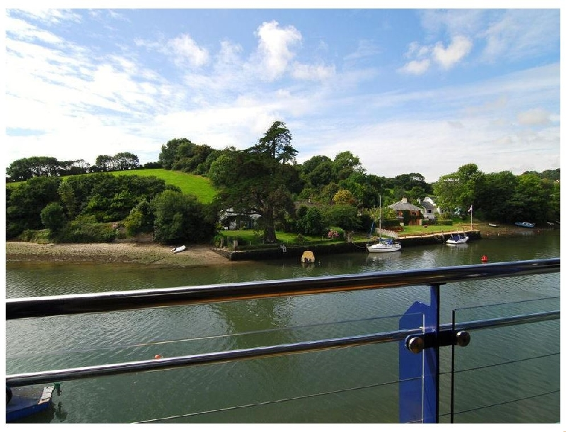 6 Crabshell Quay a holiday cottage rental for 4 in Kingsbridge,