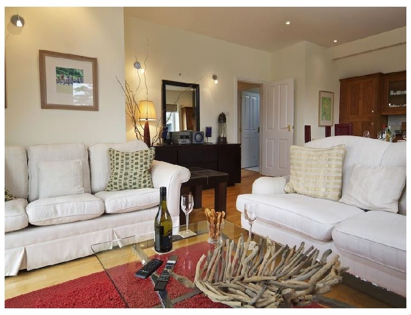 6 Grafton Towers a holiday cottage rental for 4 in Salcombe,