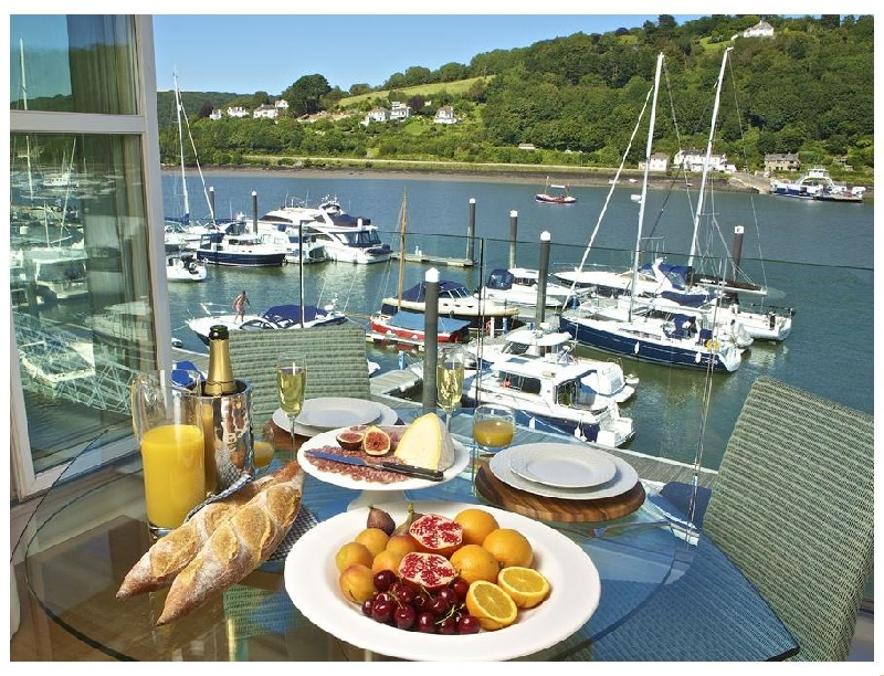 7 Dart Marina a holiday cottage rental for 4 in Dartmouth,