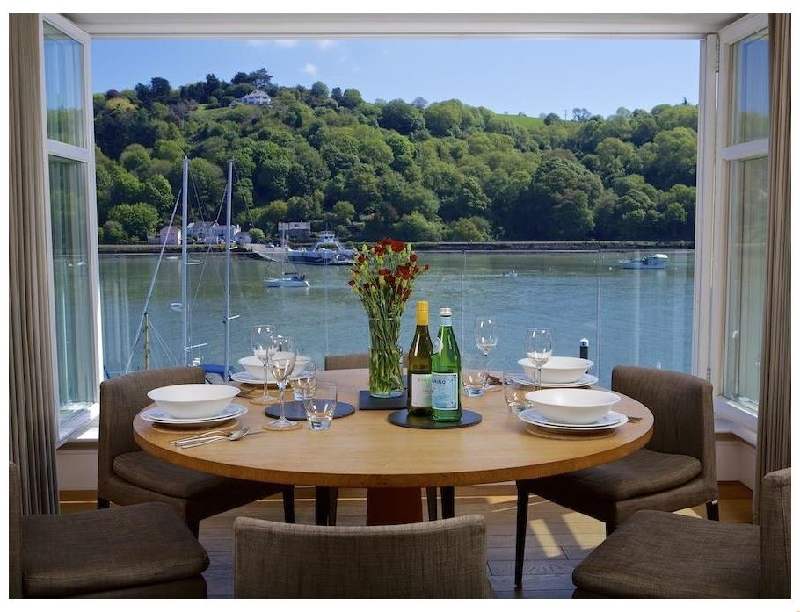 Details about a cottage Holiday at 9 Dart Marina