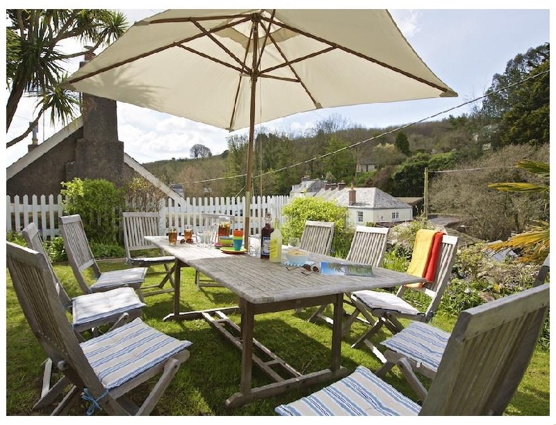 Batson House a holiday cottage rental for 12 in Salcombe,