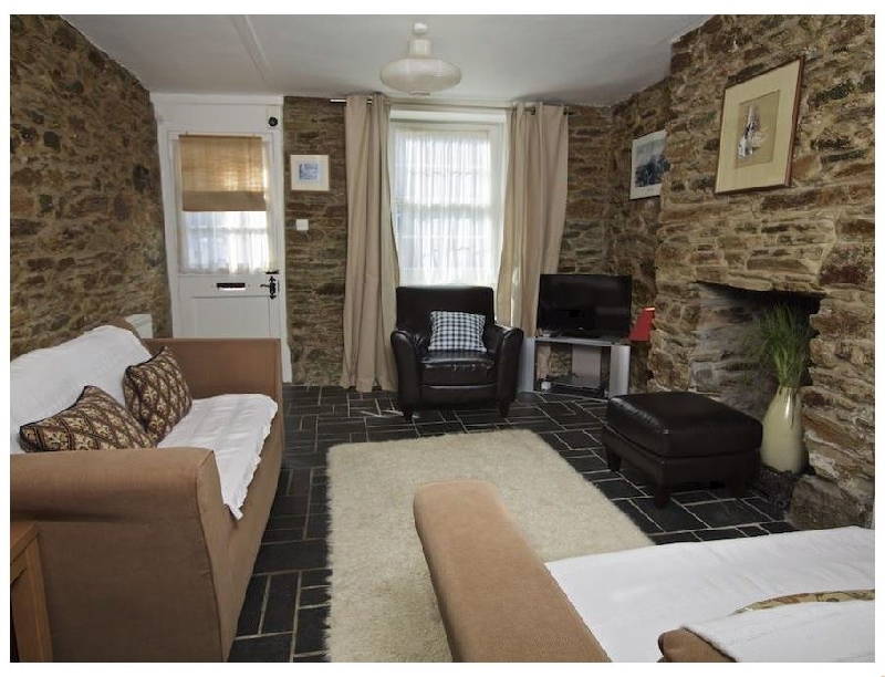 Bumblebee Cottage a holiday cottage rental for 6 in Salcombe,