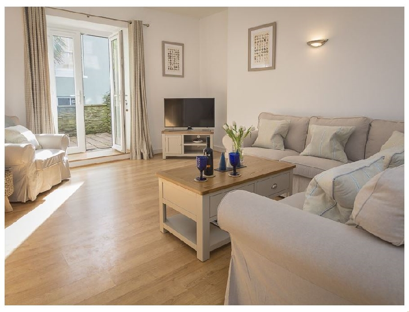 Lower Terrapins a holiday cottage rental for 6 in Salcombe,