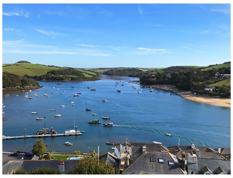Main Top Apartment a holiday cottage rental for 4 in Salcombe,