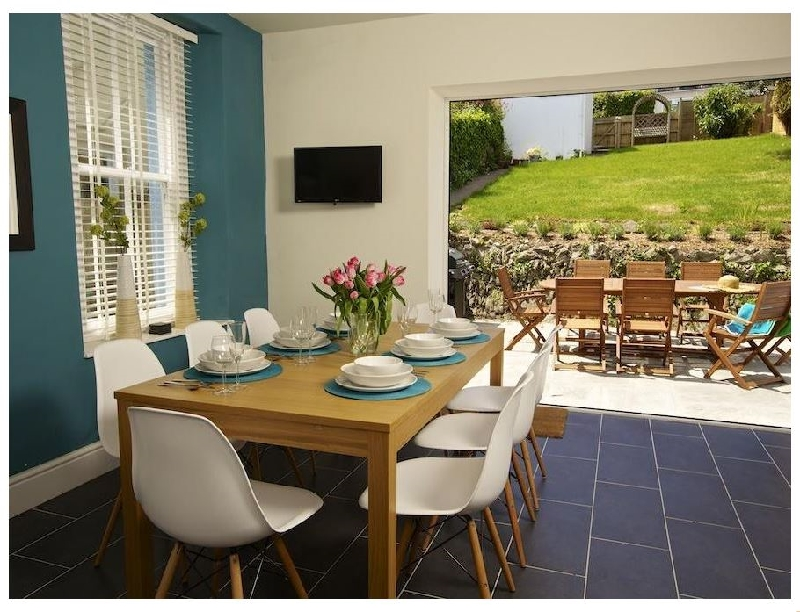 Sandpiper a holiday cottage rental for 8 in Salcombe,